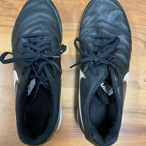 Nike Tiempo Indoor Soccer Shoes/Tennis Shoes